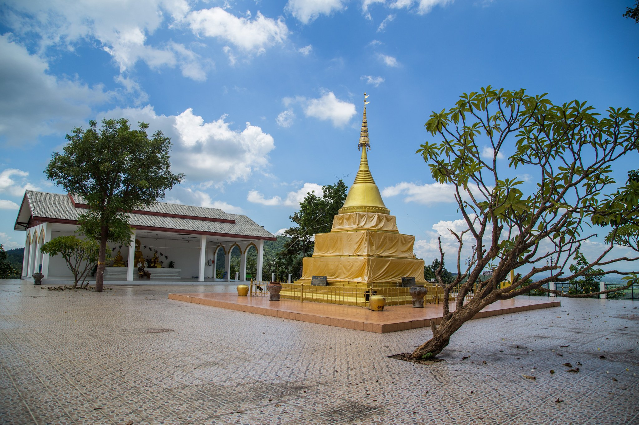 Wat Phrathat Doi Wiang